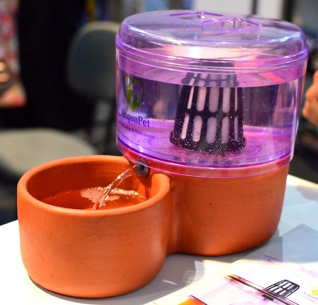 Filtro de água para cães e gatos. (Foto: Karina Sakita)