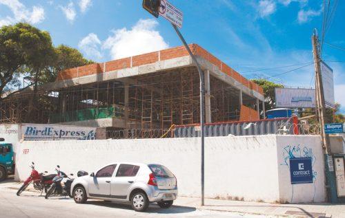 Loja está sendo construída e tem previsão para inaugurar em janeiro de 2017. (Foto: Reprodução / Thiago Gadelha)