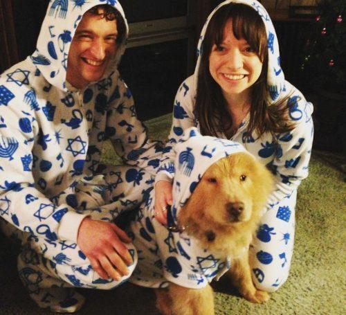Hoje, os três formam uma família muito feliz e cheia de amor. (Foto: Reprodução / Bubbe The Chow)