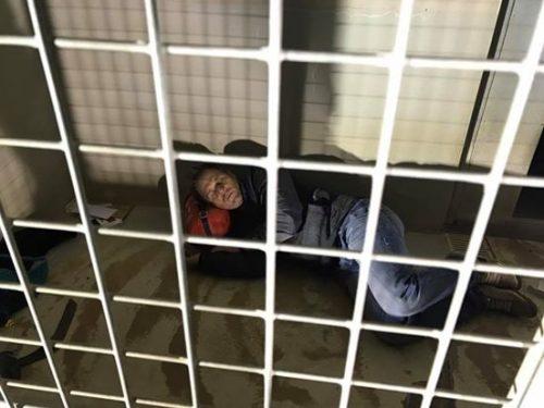 O frânces publicou detalhes do seu dia a dia no abrigo em seu Facebook. (Foto: Reprodução / Facebook Rémi Gaillard)