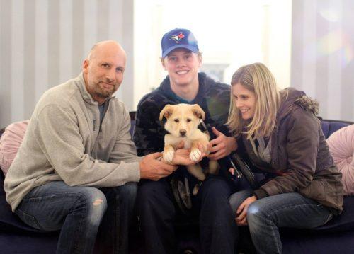Harley foi adotado por uma mamãe que se sentia capaz de dar tudo o que ele precisava para ficar bem e ser feliz. (Foto: Reprodução / Dog Tales Rescue and Sanctuary)